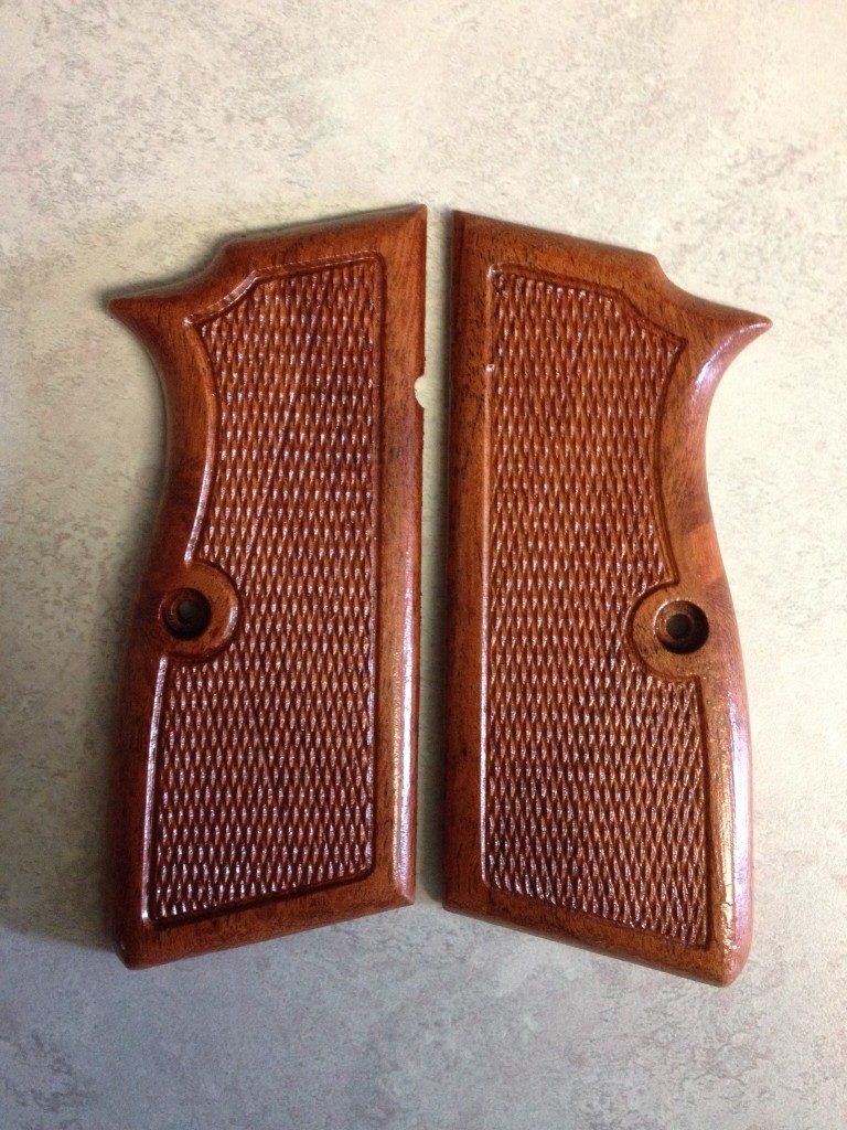 Browning-High-Power-Flairback-Cceckered-768x1024