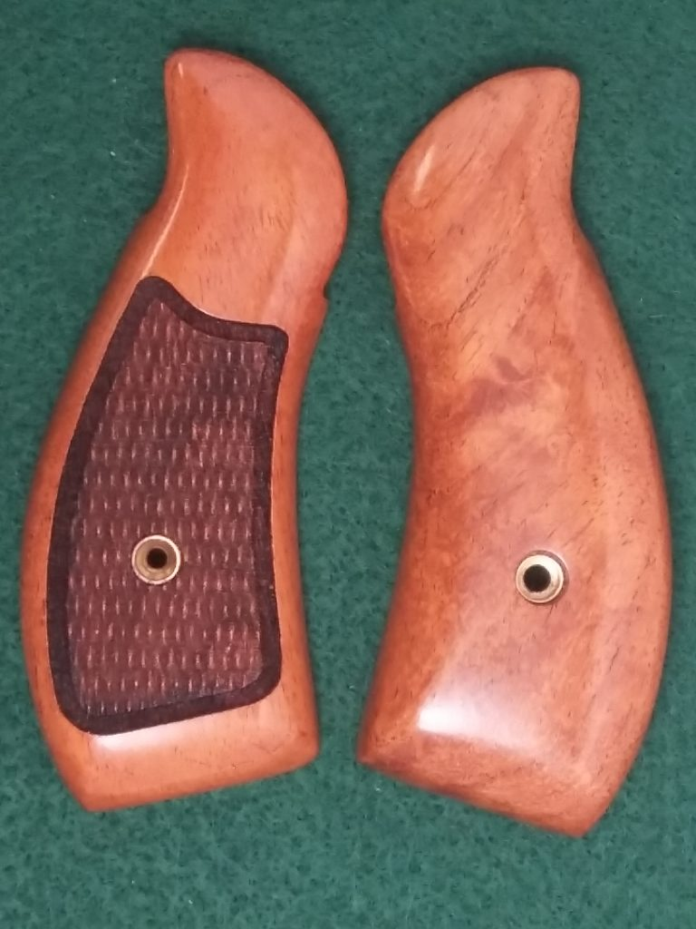 Smith & Wesson J Frame Round Butt Mesquite