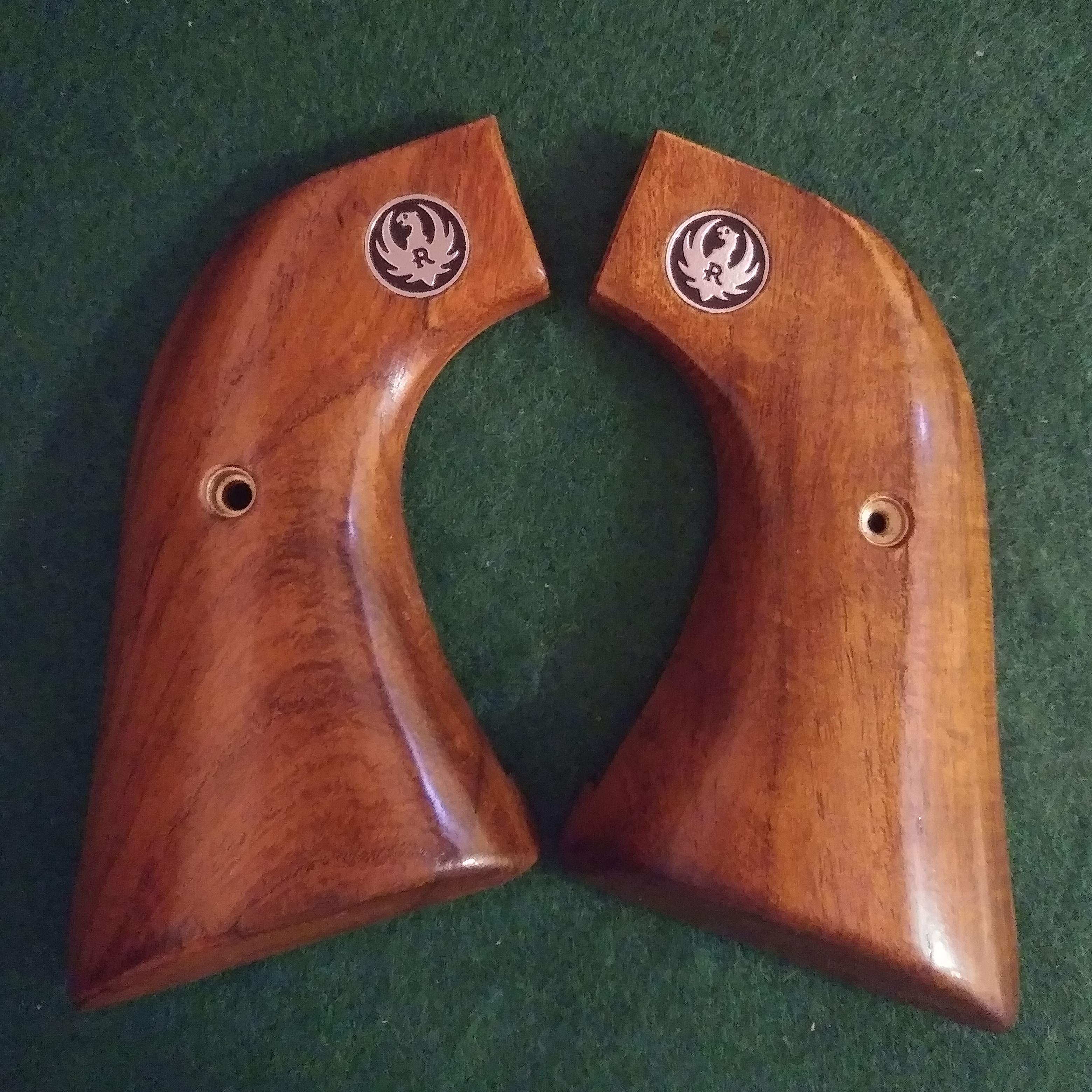 Ruger Blackhawk (EXTENDED) (XR3 Red) Stock Materials